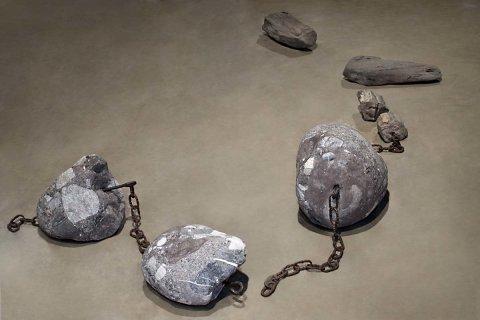 No 181 Trois grains et bois de croix (2008). Photo Maurice Henri, traitement infographique Jean‐Claude Blanchard. h = 28 cm